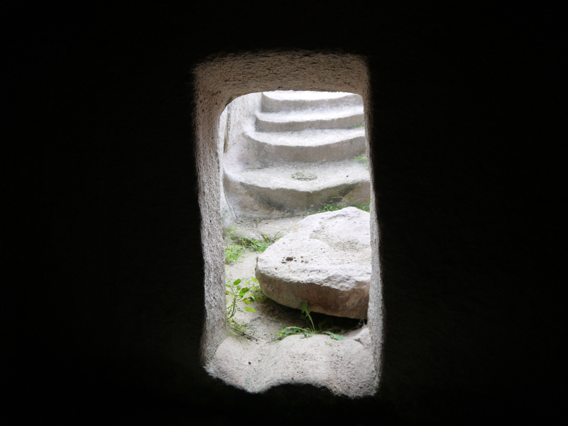 Ingresso di una tomba ipogeica punica