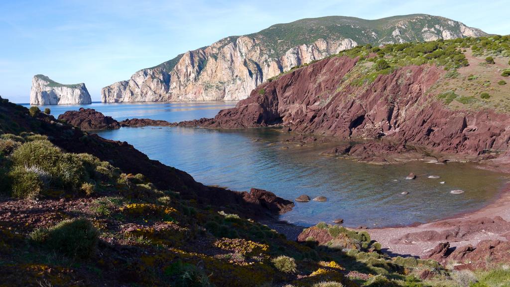 Porto Corallo Nebida