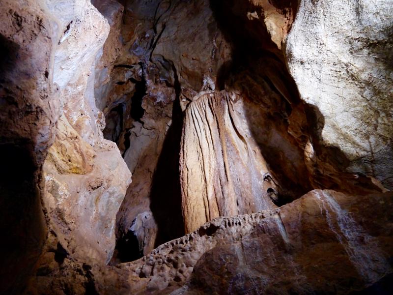 porto_flavia_grotta